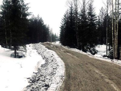Metsäautotien tekoa Mäntsälässä Gles Rock murskeella