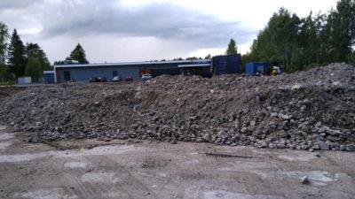 Työmaalla käsiteltyä Gles Rock -betonimursketta 0-90mm