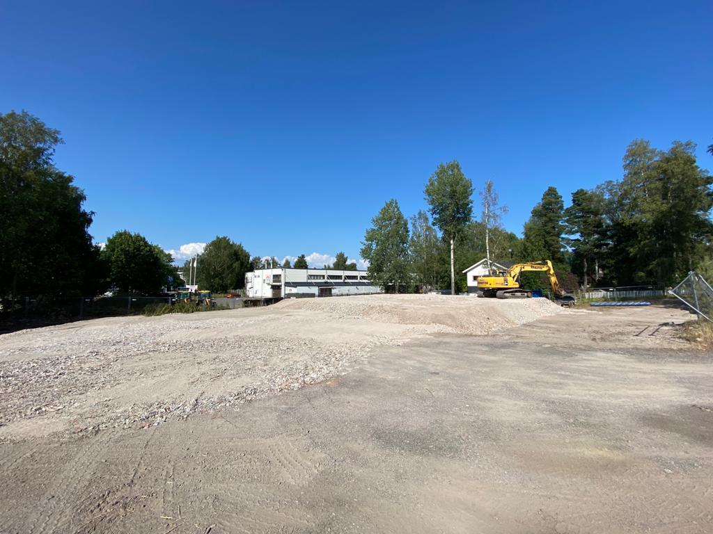 Teollisuushallin pohjien tekoa Gles Rock -betonimurskeella